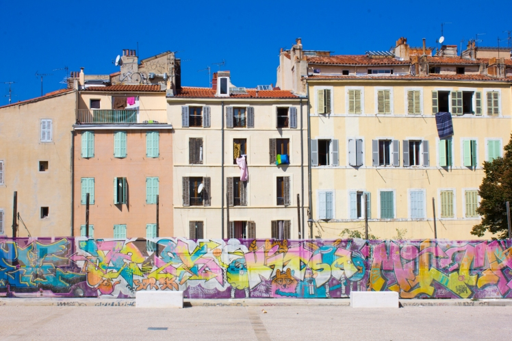 1. co se skrývá za malebnými fasádami Le Panier...